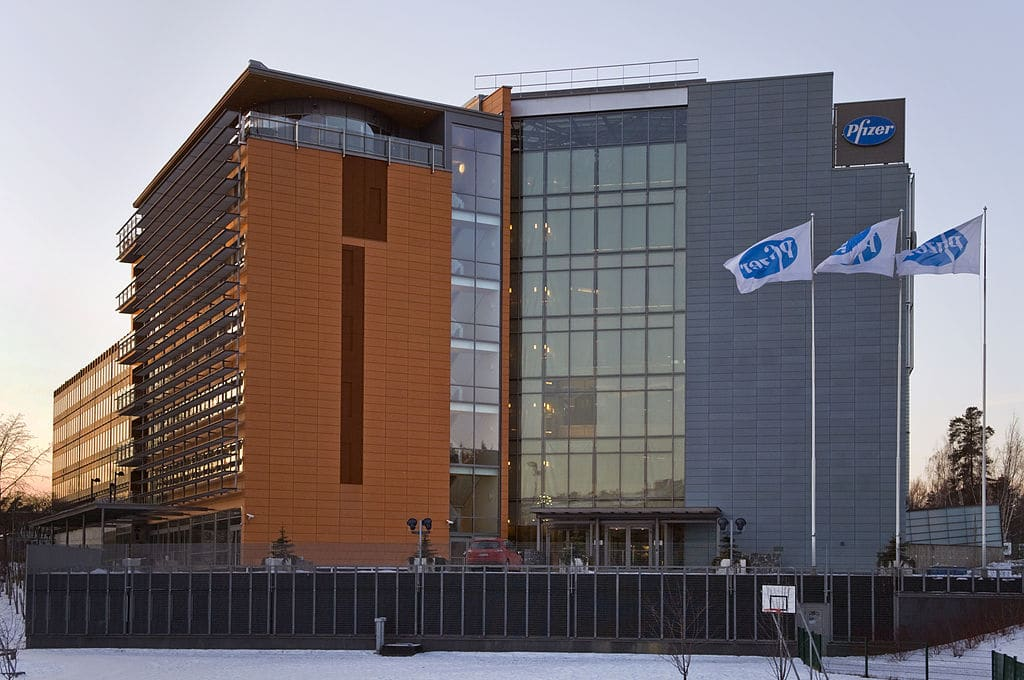 Biontech Se Nasdaq Bntx And Pfizer Inc Nyse Pfe Expanding Phase 3 Trial As Biontech Receives 450 Million Funding Biopharmajournal